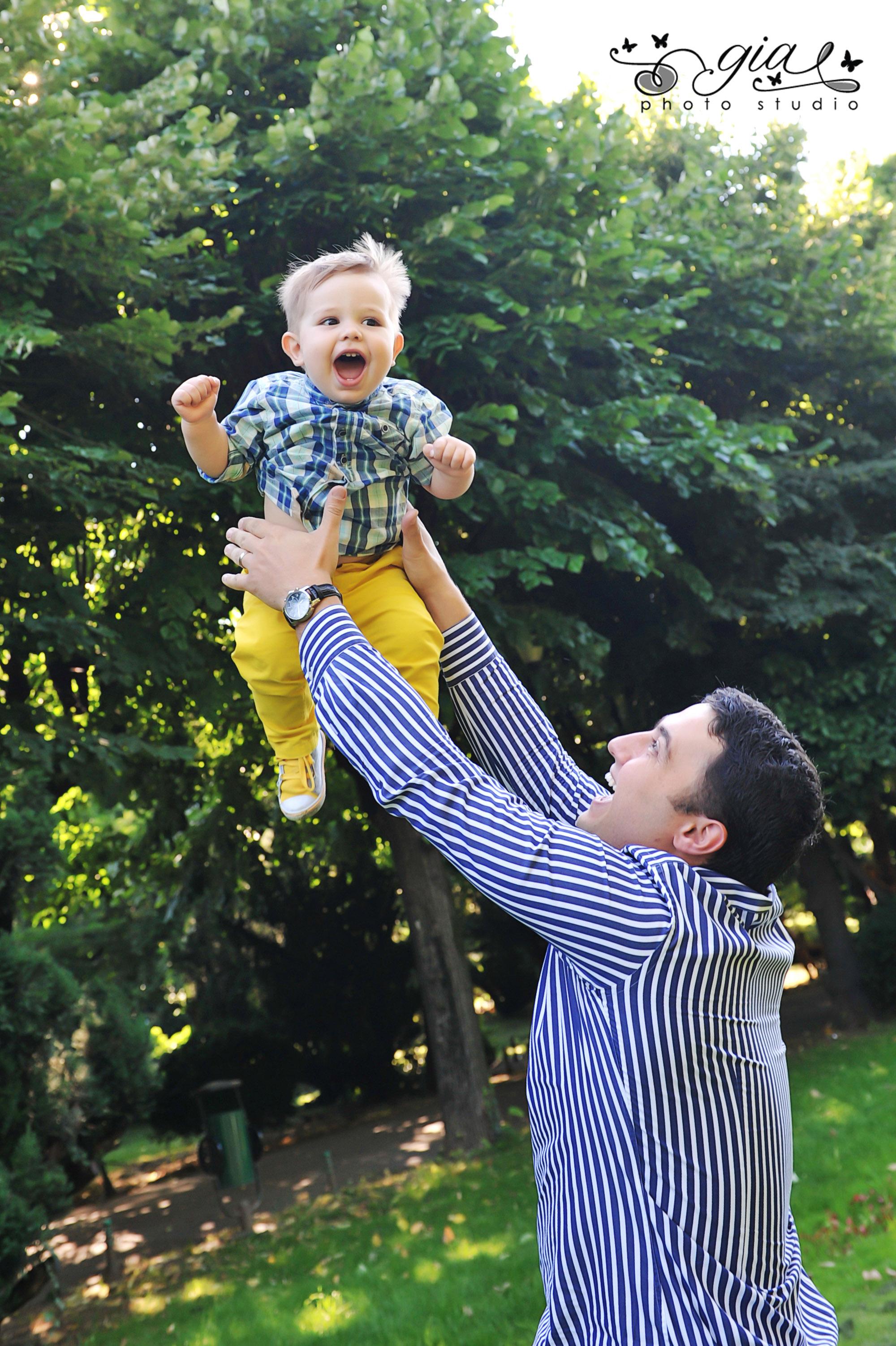 Doresti o poza in natura cu familia? www.giastudio.ro